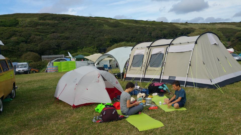"<span style=""color: #333333;""><em>Unser erster Campingplatz nahe NewquaTreago Mill, Crantock, Newquay)"