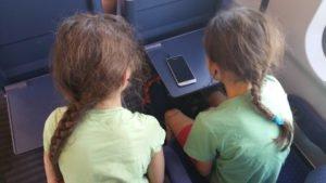 Mädchen im Zug